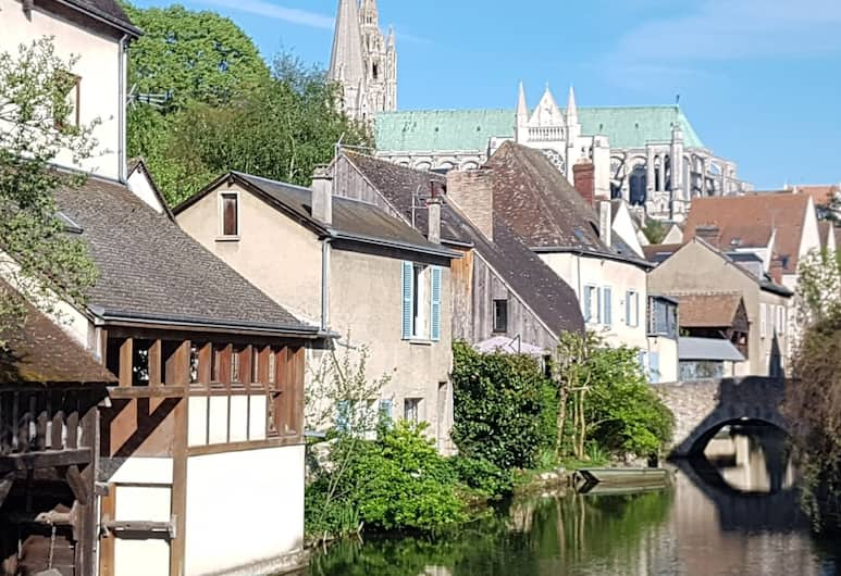 Chambre d'hôtes - Les Convivhotes, Chartres, Výhled z hotelu