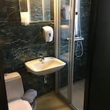 Keturvietis kambarys šeimai, Nerūkantiesiems - Vonios kambarys