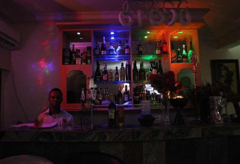 Albert Suites, Uyo, Hotel Bar