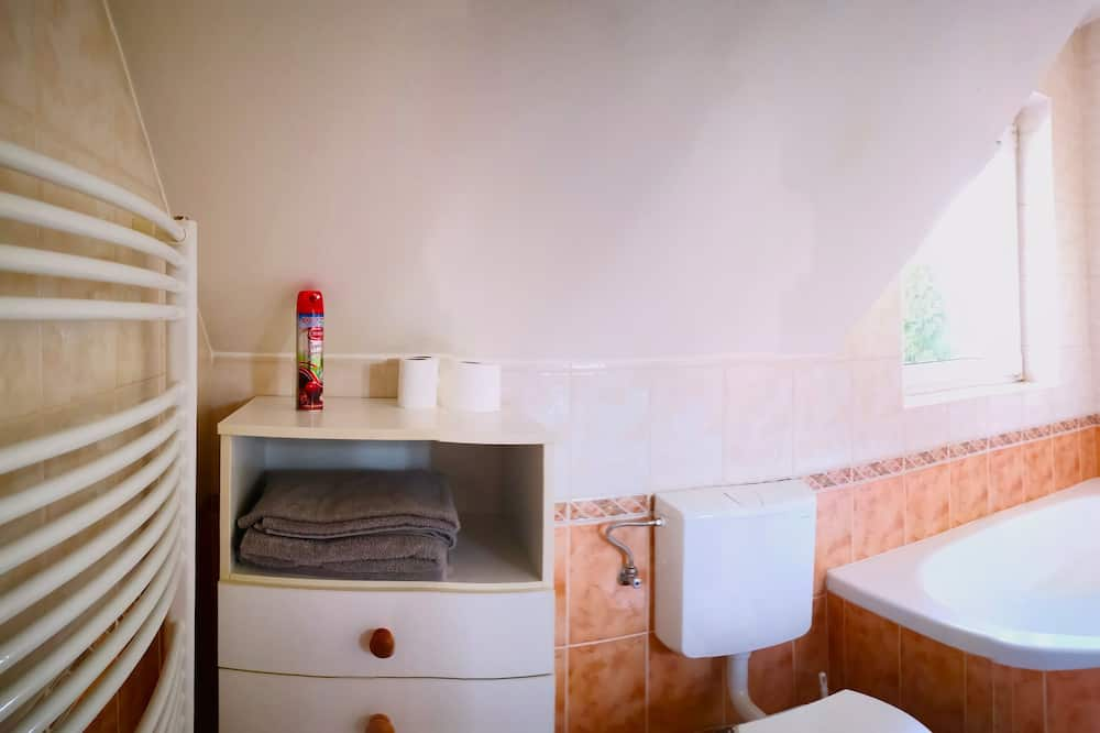 Apart Daire, 3 Yatak Odası, 2 Banyolu - Derin Küvet
