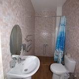 Family Suite, 2 Bedrooms, Balcony - Bathroom
