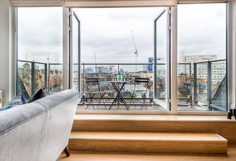 Luxury Battersea Park Home with Stunning Views, London, Apartment, 2 Schlafzimmer, Wohnzimmer