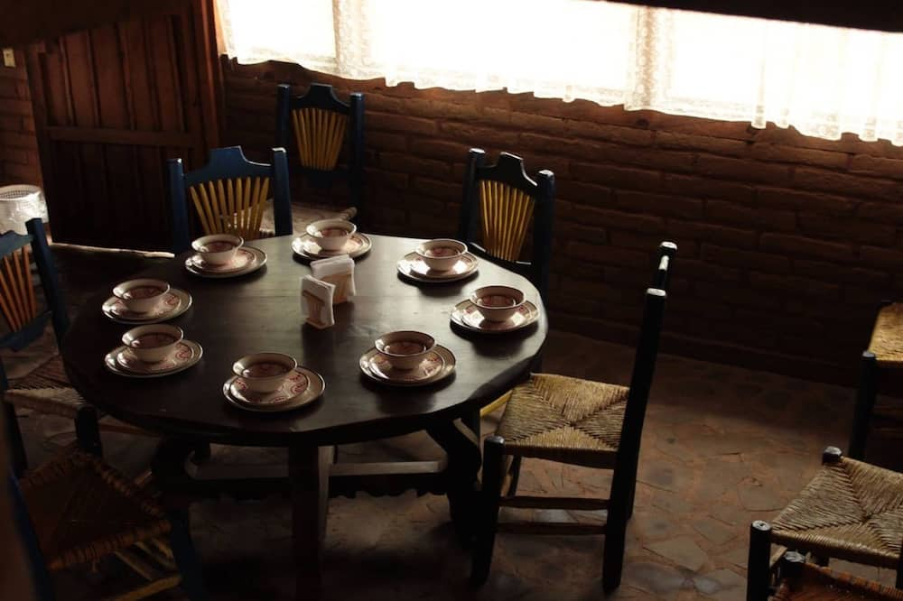 Grand Cabin, Multiple Beds - In-Room Dining