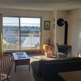 Soukromý byt, 1 ložnice, kuchyně, částečný výhled na moře - Obývací prostor