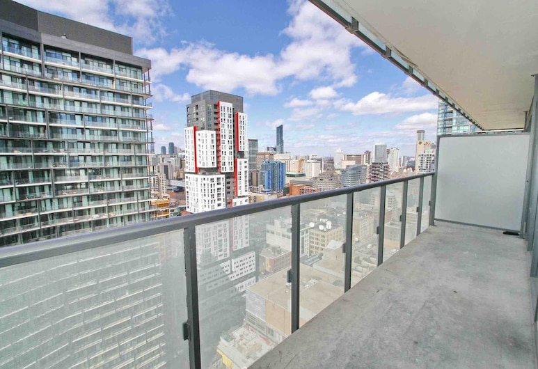 Executive Suite Entertainment District, Toronto, Family Condo, 1 Queen Bed, City View, Terrace/Patio