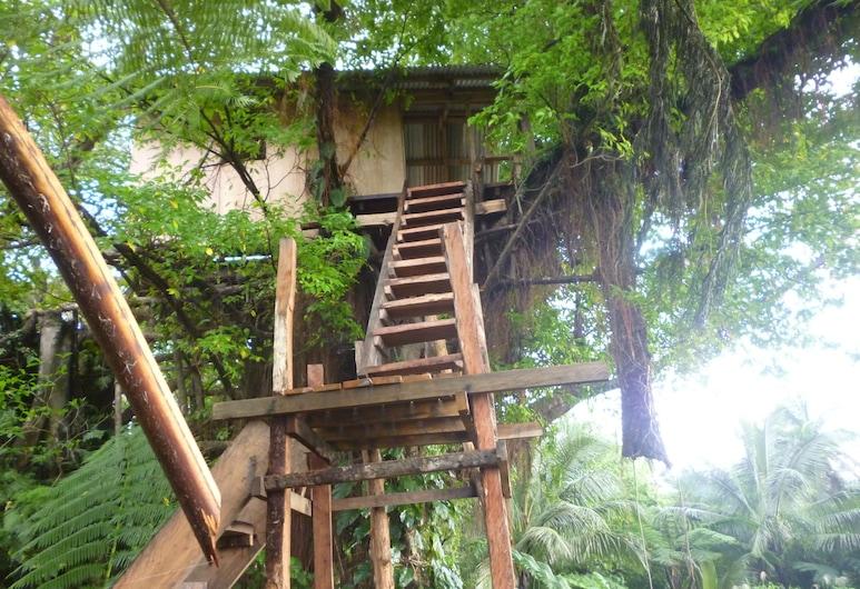 Castle Tree House, Tanna Island