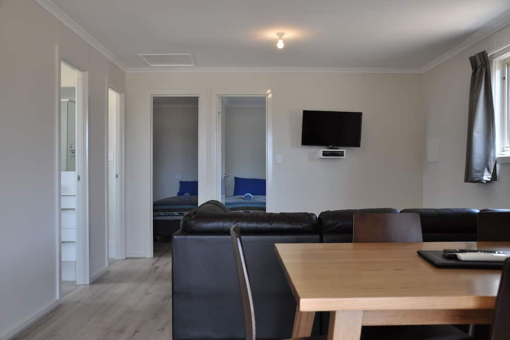 Birks Luxury Cabin - Living Area