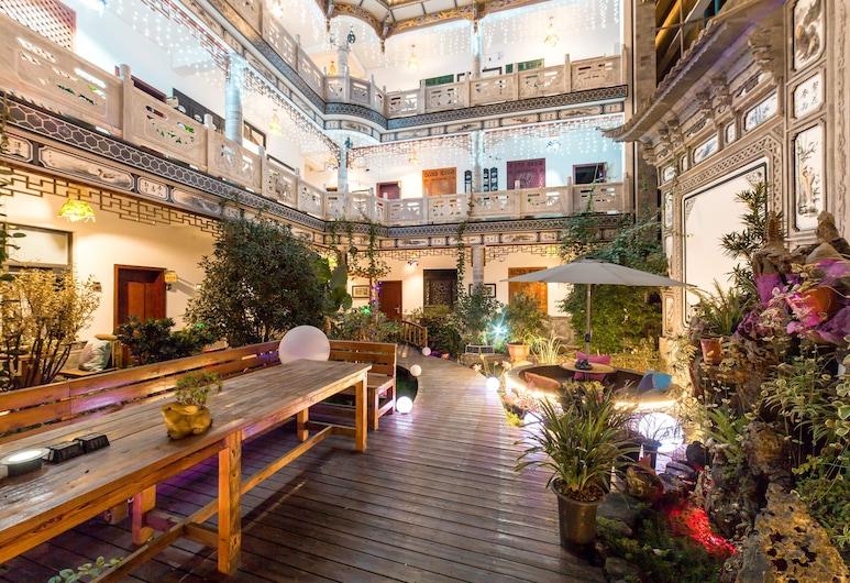 Dali Love In Clouds Theme Art House, Dali, Hotelli interjöör
