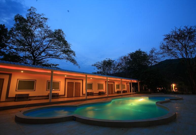 Suansaiyok Resort, Sai Yok, The World Studio, Kolam