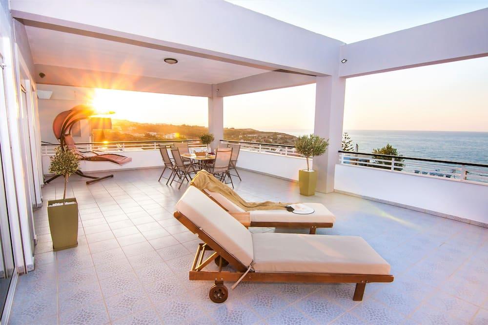 Deluxe Villa, Bathtub - Terrace/Patio