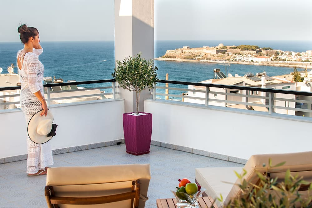 Deluxe Villa, Bathtub - Balcony