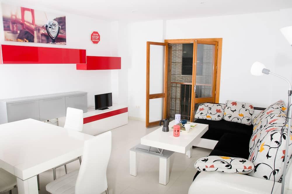 Apartment, 2 Bedrooms (III - Third Floor) - Living Room