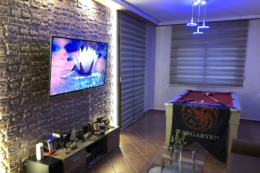 City Apartment, 1 Bedroom - Living Room