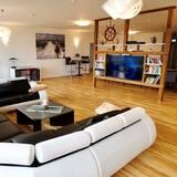 Apartment, 8 bedrooms, 4 bathrooms, sauna, terrace, garden - Living Room