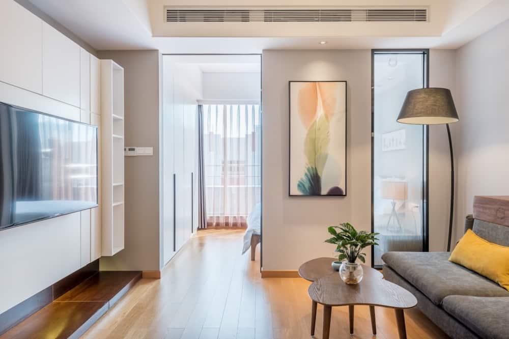 Luxury Suite, 1 Bedroom, Accessible, Refrigerator & Microwave - Living Room