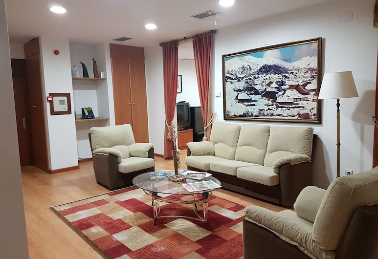 Hostal Restaurante La Charola, Villafranca del Bierzo, Lobby Sitting Area