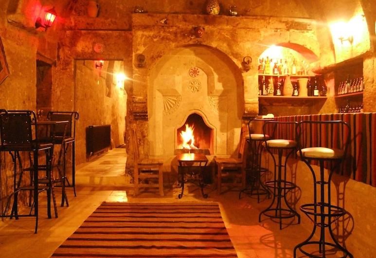 Cappadocia Antique Gelveri Cave Hotel, Güzelyurt, Bar hotelowy