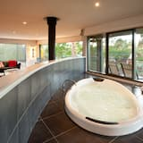 Studio, 1 Bedroom - Deep Soaking Bathtub