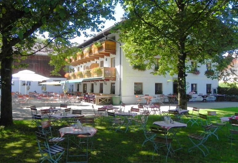 เทรดิชันสเวิร์ทเชาส์ เครมูส, Grabenstätt, ลานระเบียง/นอกชาน