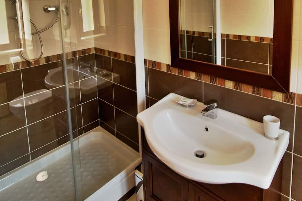 Triple Room, Private Bathroom - Bathroom