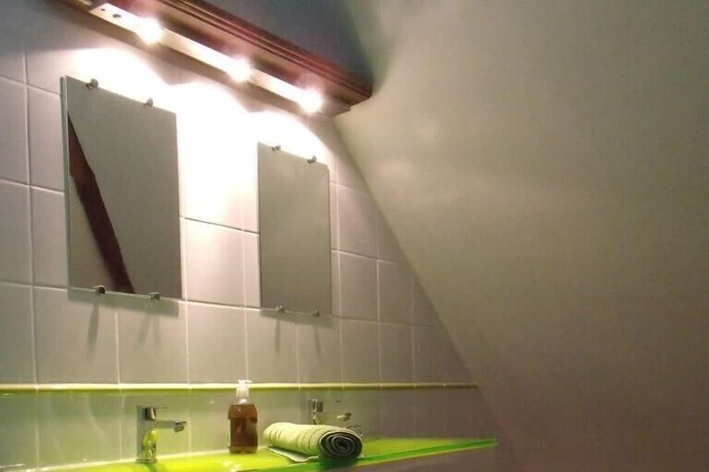 Четырехместный номер (Gris Baudet) - Ванная комната