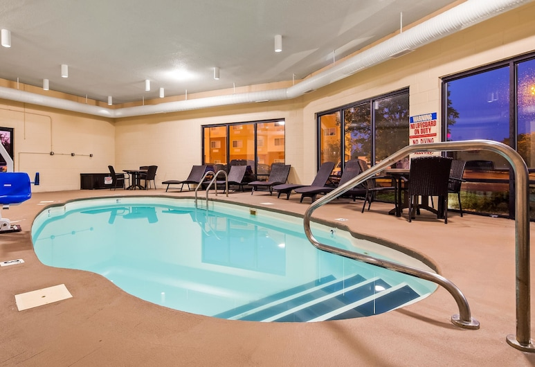 Quality Inn & Suites Southport, Indianapolis, Pool