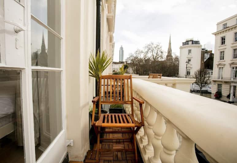 Studio Flat Pimlico, London