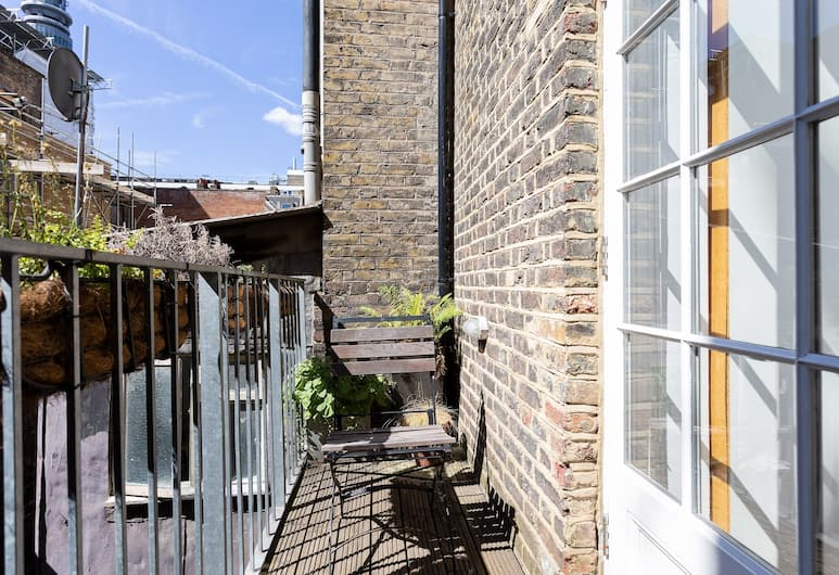 1 Bedroom Apartment In Fitzrovia Sleeps 4, London, Balkon