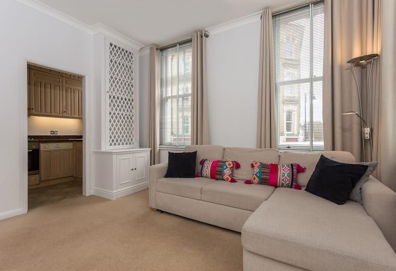 1 Bedroom Flat in Chelsea Sleeps 4, London
