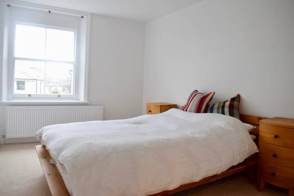 Modern Maisonette By Chalk Farm London Apartment 3 Bedrooms Guest Room