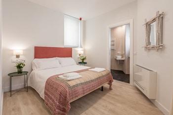 Picture of Suites Jardines de Murillo in Seville