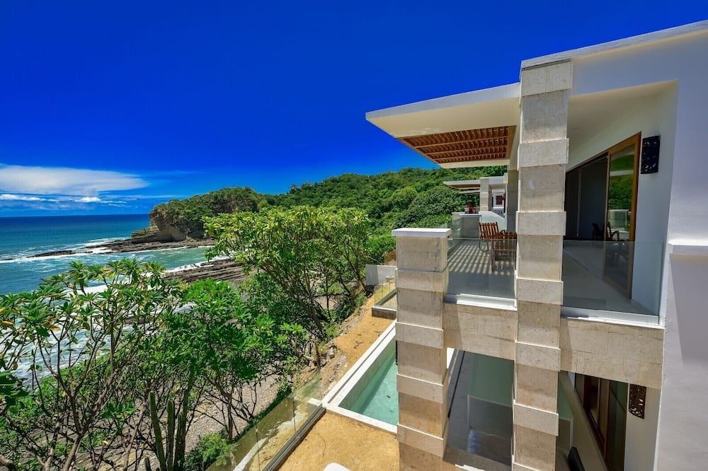 Deluxe Condo, 4 Bedrooms, Non Smoking, Beach View - Beach/Ocean View