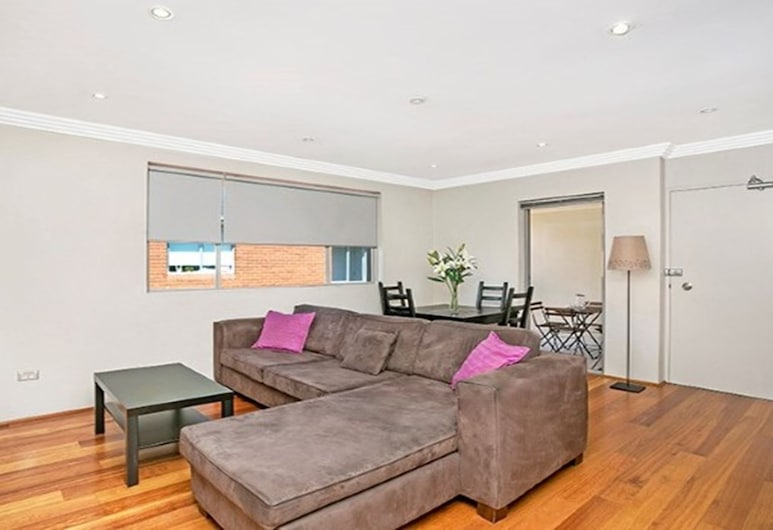 The Apartment Service COOGY, Coogee, Apartment, 2 Bedrooms, Balcony, Living Room
