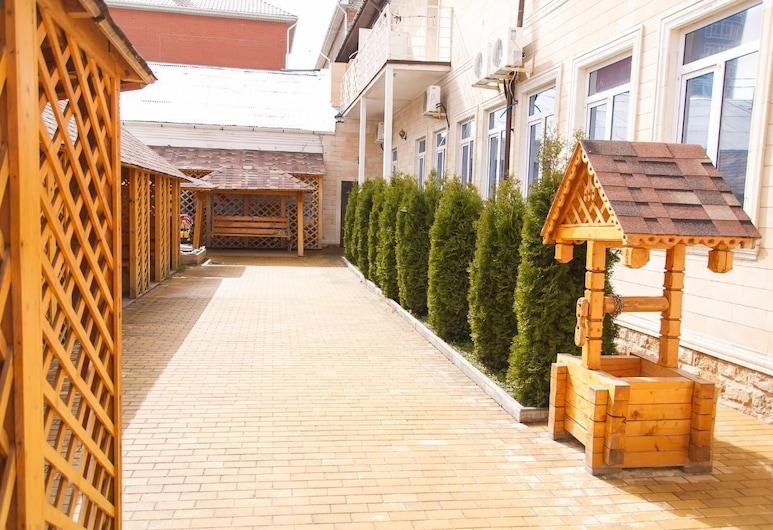 チェルナヤ ジェムチュジナ, アナパ