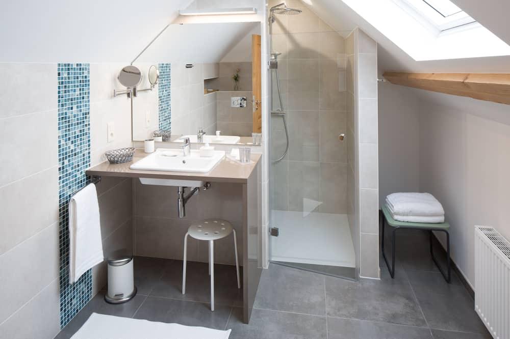 Deluxe King Room - Vonios kambarys