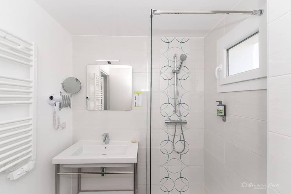 Double Room, Hot Tub - Bathroom