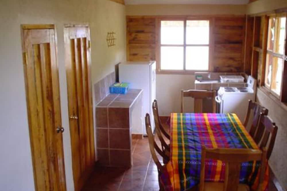 Comfort Cabin, 2 Bedrooms, Non Smoking - In-Room Dining