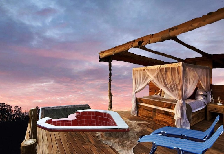Samay Glamping Airport, Tababela, Classic Tent, 1 Queen Bed, River View, Guest Room