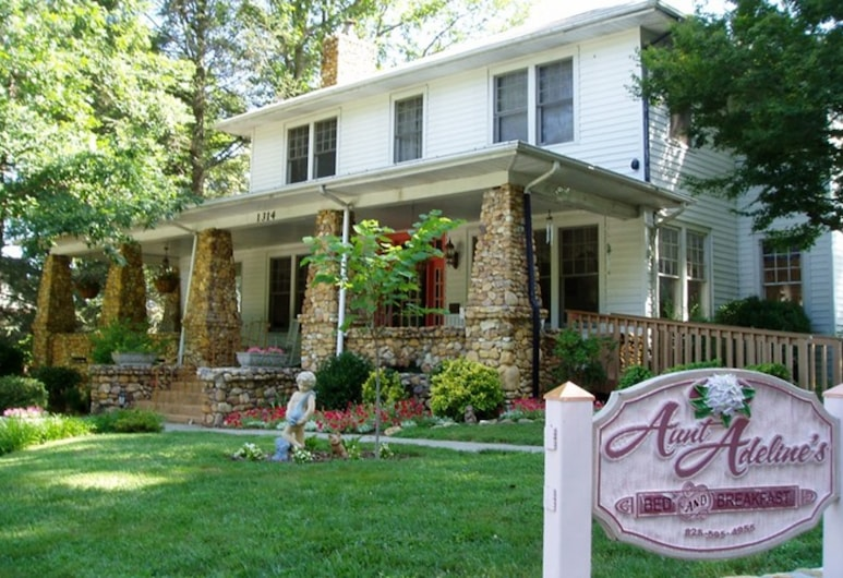 Aunt Adeline's Bed and Breakfast, Hendersonville