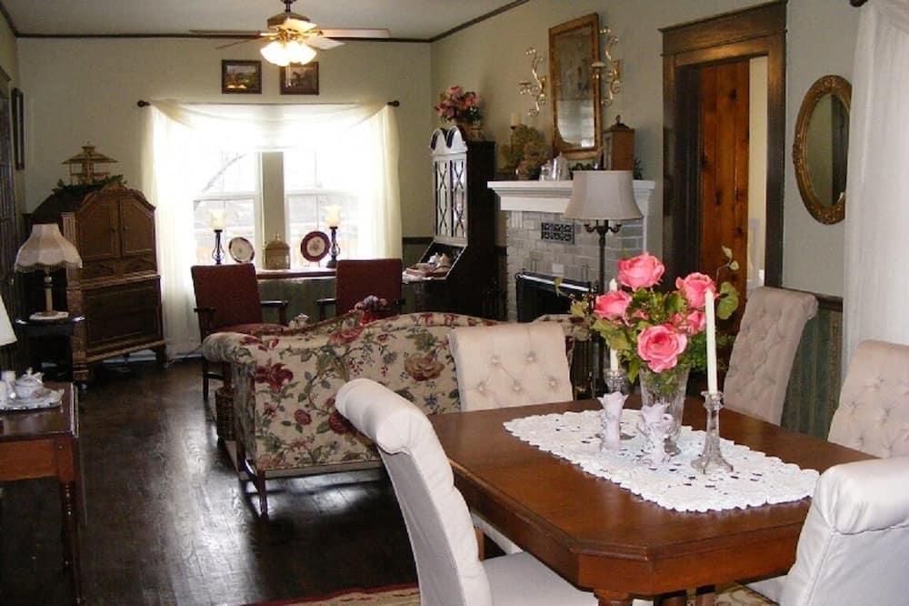 Premium-Suite, 2Schlafzimmer, eingeschränkter Seeblick - Wohnbereich