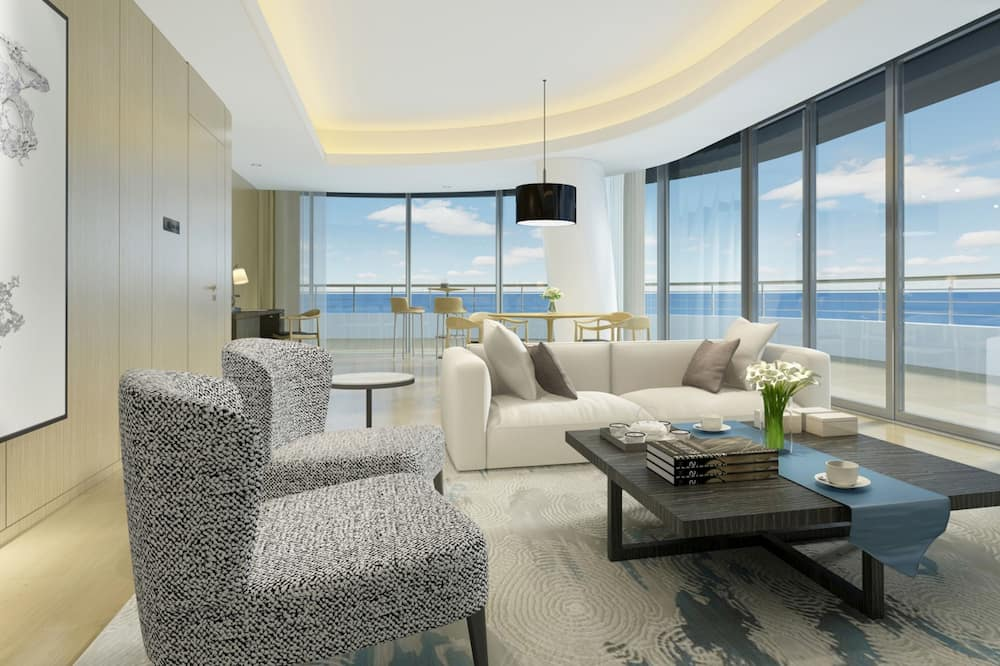 Deluxe Suite with Sea View - Living Area