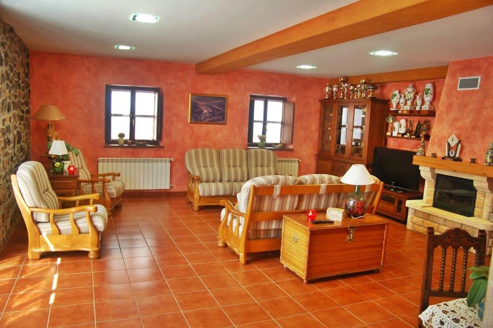 Hus - flere soveværelser - Stue