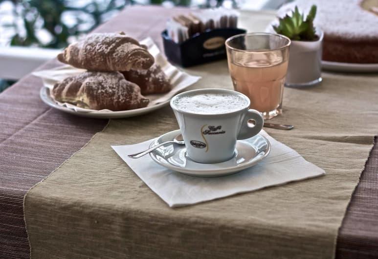 Hotel Nizza, Rimini, Tempat Makan Luar