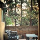 Chambre Double, salle de bains commune (Terrace) - Terrasse/Patio