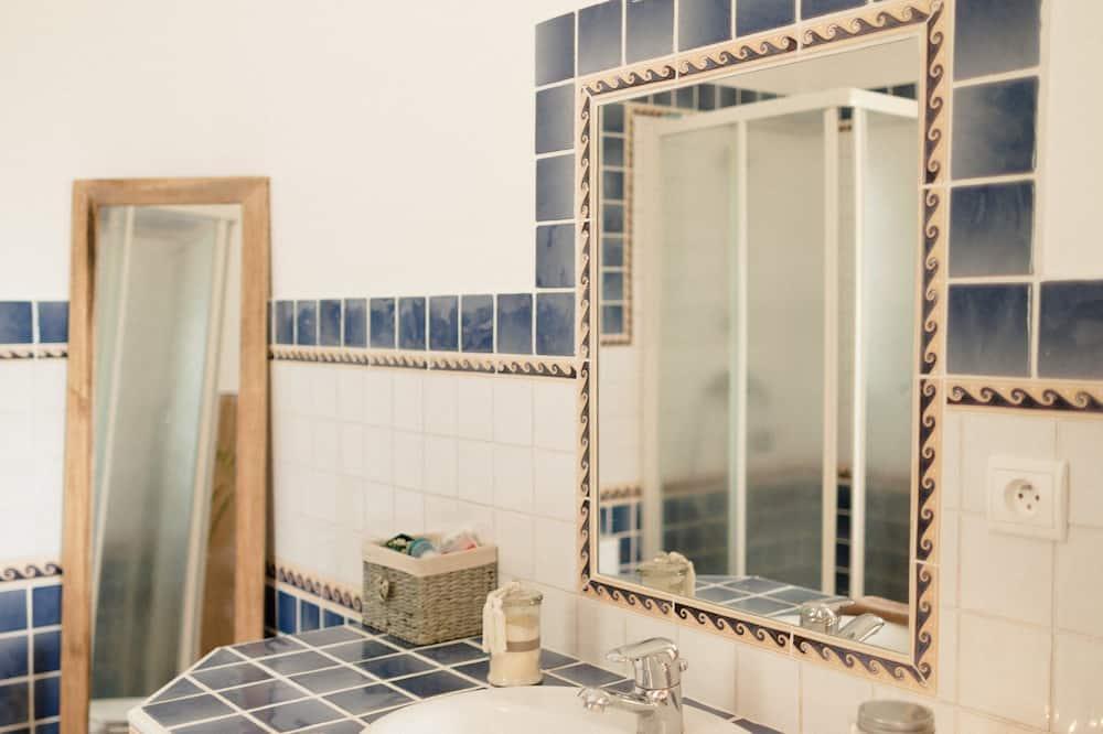 Căn hộ dành cho gia đình - Phòng tắm