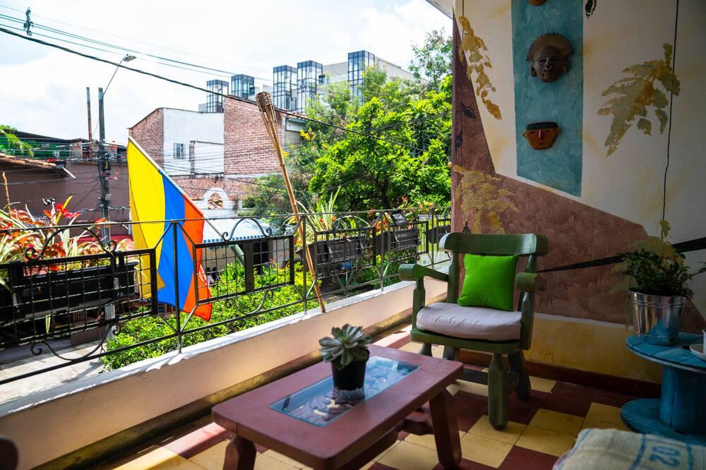 Wspólny pokój wieloosobowy, koedukacyjny pokój wieloosobowy - Powierzchnia mieszkalna