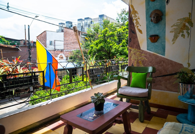 Los Andes Hostel, Medellin, Shared Dormitory, Mixed Dorm, Living Area