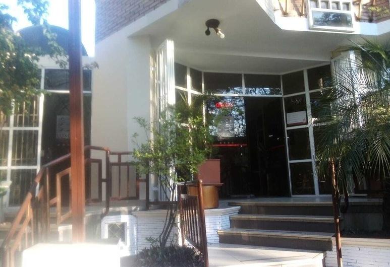 Hotel Luxor, Cochabamba, Sissepääs
