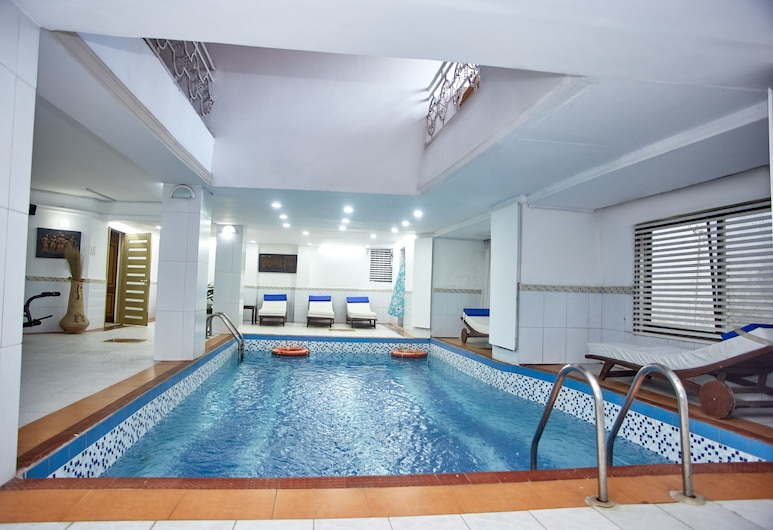 Paintsiwa Wangara Apartments, Accra, Indoor Pool