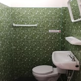 Standard Double Room with Private Bathroom - Badezimmer